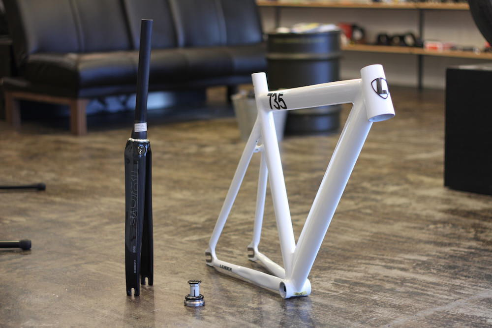 leader bikes 735tr full carbon fork headset キャンペーン