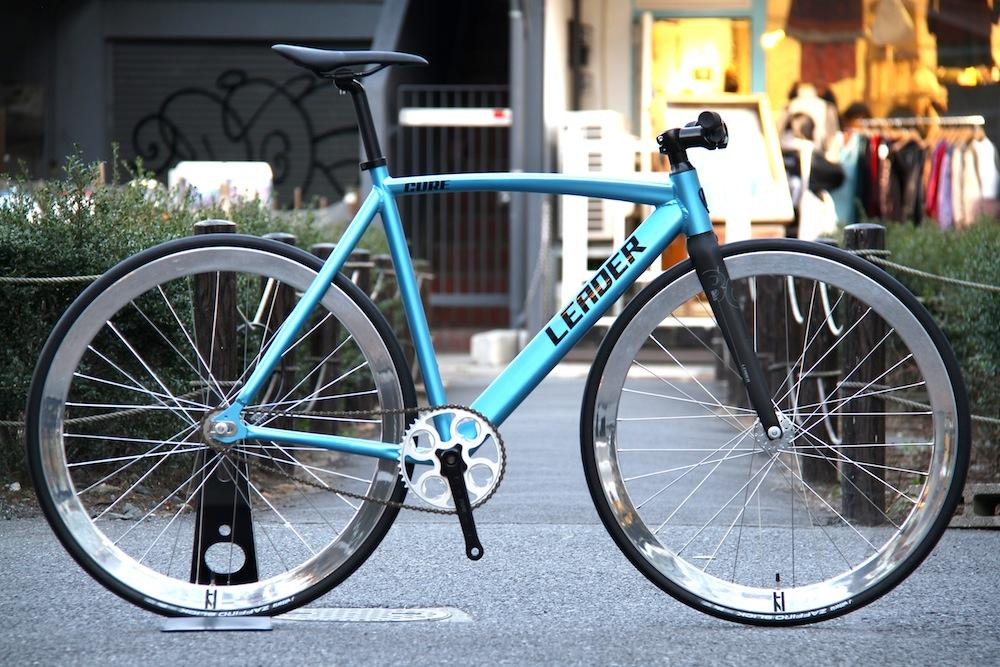 LEADER BIKES、BROTURES、HPLUSSON、PAUL、ピストバイク、自転車、新宿
