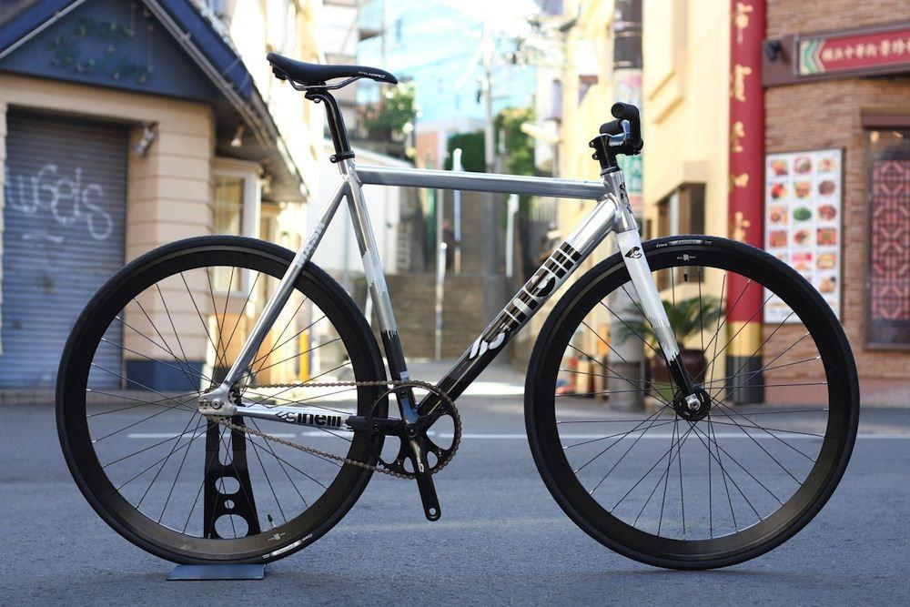 CINELLI、MASH、HISTOGRAM、DOSNOVENTA、BROTURES、LEADERBIKE、ピストバイク、自転車、メンテナンス