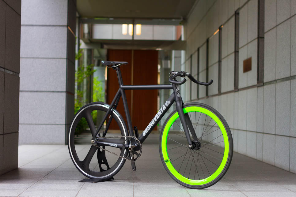 DOSNOVENTA CUSTOM BIKE 取り扱い 店