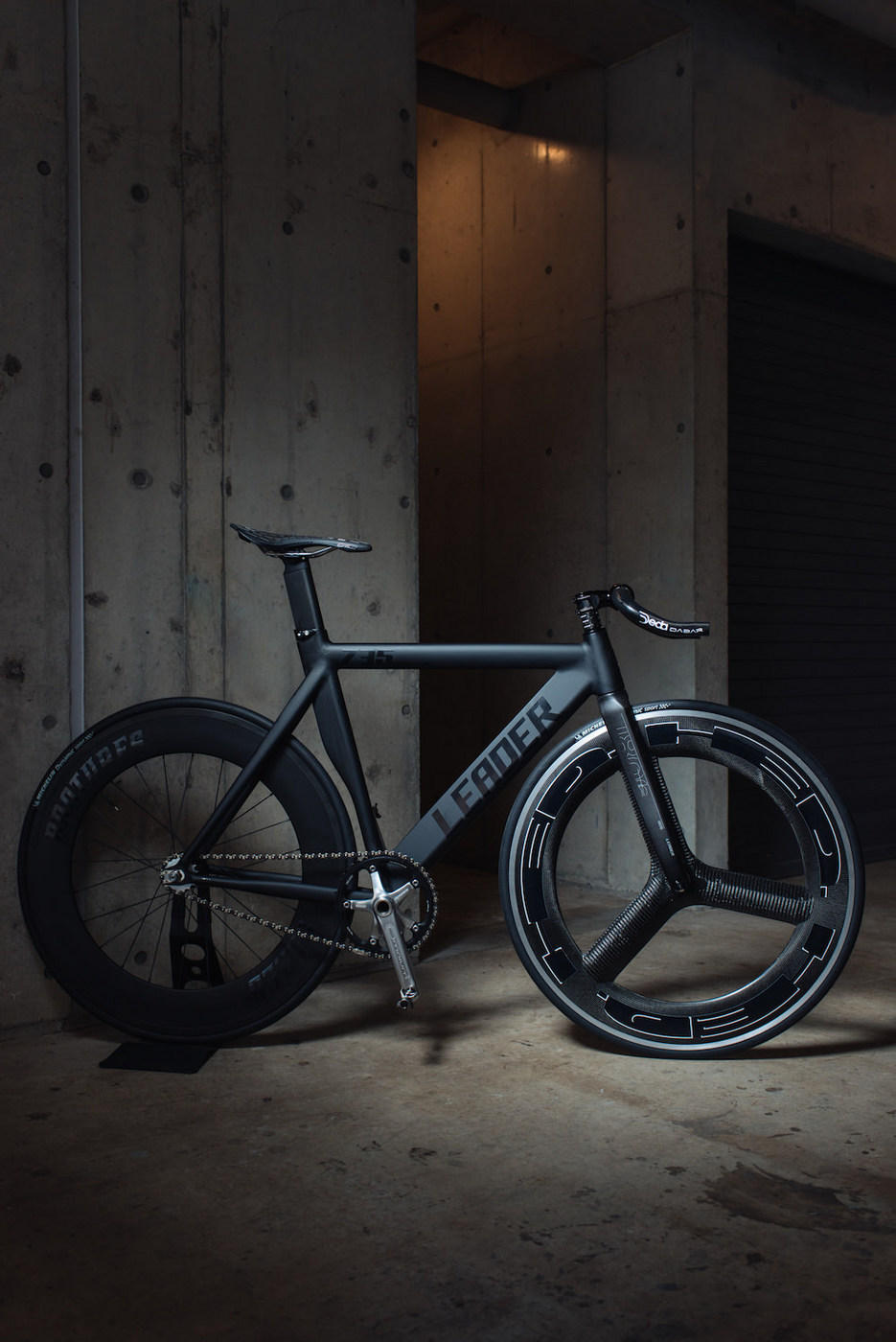 BROTURES、LEADERBIKES、ブローチャーズ、リーダーバイク、HED、カーボンホイール、
